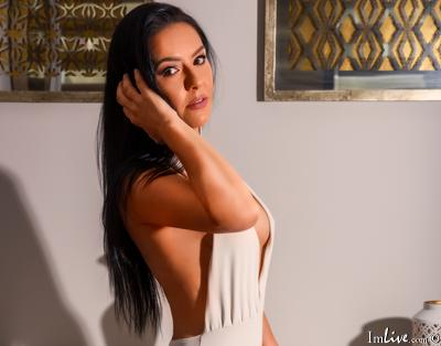MoniqueParker, 39 – Live Adult cam-girls and Sex Chat on Livex-cams