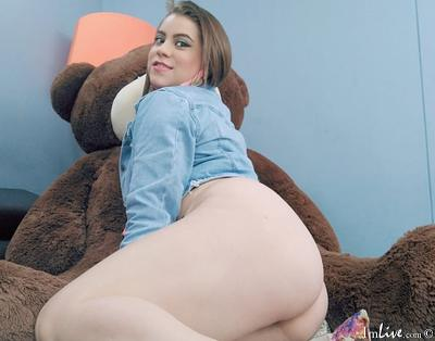 kesha_cum, 23 – Live Adult cam-girls and Sex Chat on Livex-cams